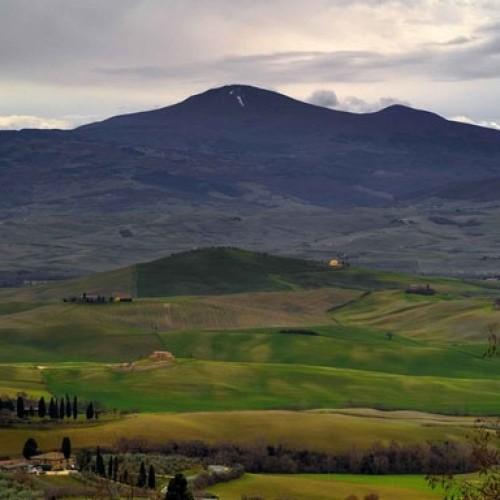 Il Monte Amiata, la divinità etrusca sulle cui pendici si articolano i vigneti che daranno al Montecucco Sangiovese Docg